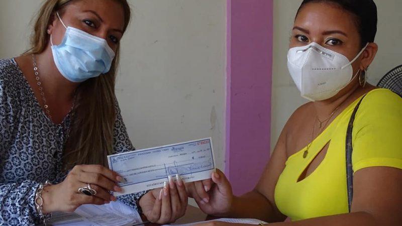 Entregan a financiamientos a emprendedoras de Bluefields Managua. Radio La Primerísima