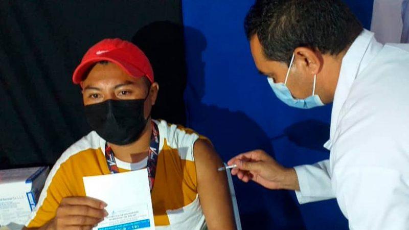 Inicia con éxito vacunación para mayores de 30 años Managua. Radio La Primerísima