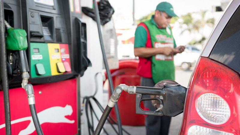 Gasolina baja de precio, sube el diesel Managua. Radio La Primerísima