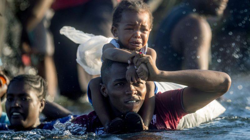 Latigazos y deportación masiva de haitianos en EEUU Por Alfredo Jalife-Rahme | Sputnik, Rusia
