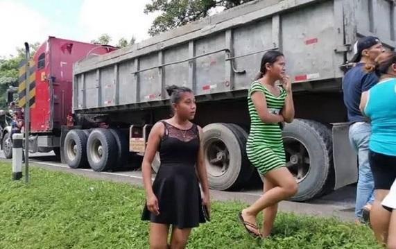 Rastra atropella y mata a niña en Mululukú Managua. Radio La Primerísima