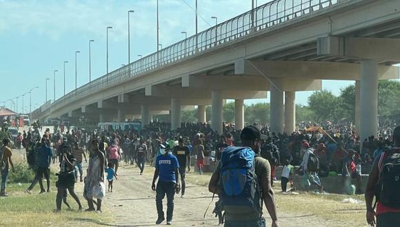 Estados Unidos cierra frontera en Texas para frenar a migrantes Texas. Agencias