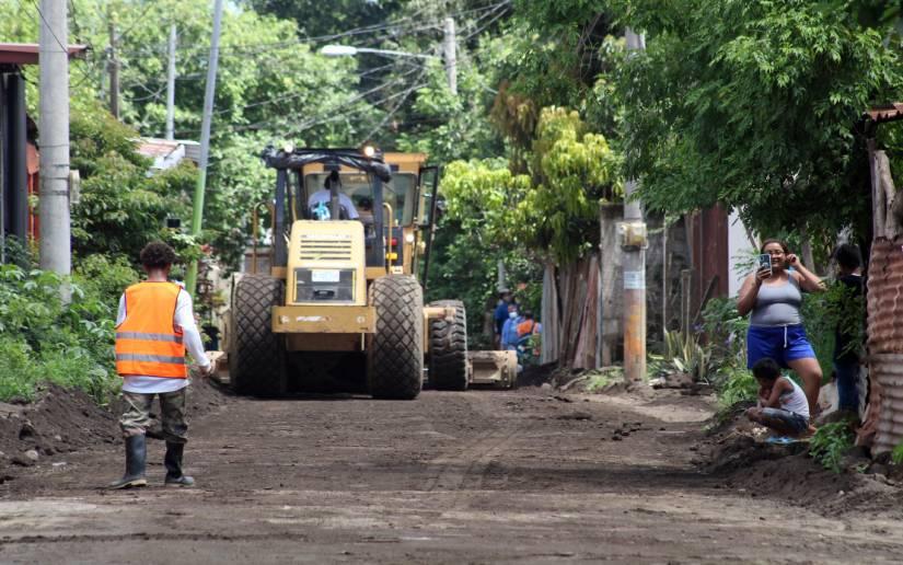 Siguen mejorando calles de distintos municipios Managua. Radio La Primerísima