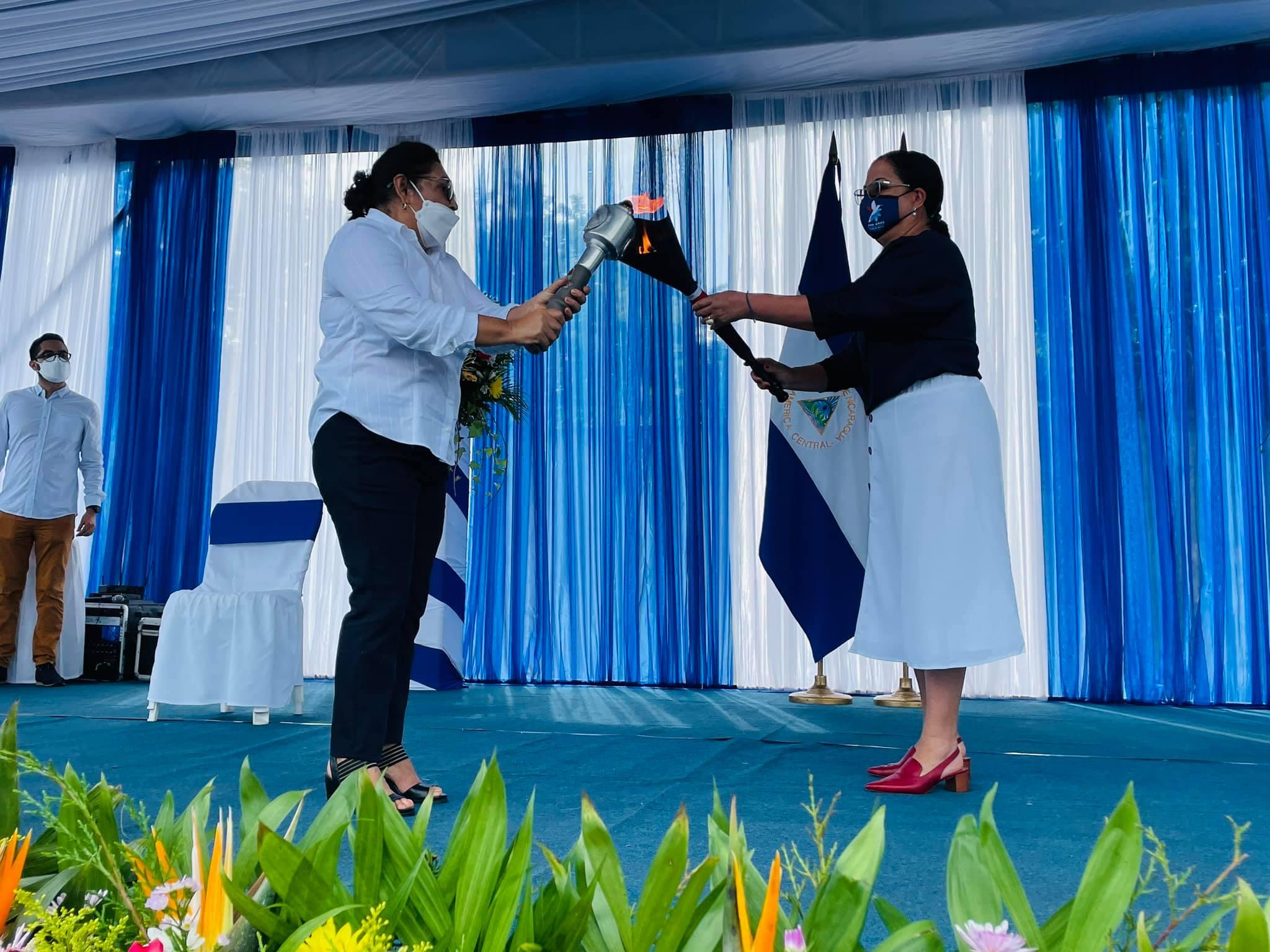 Ticos reciben Antorcha de la Libertad Managua. Por Jaime Mejía/Radio La Primerísima