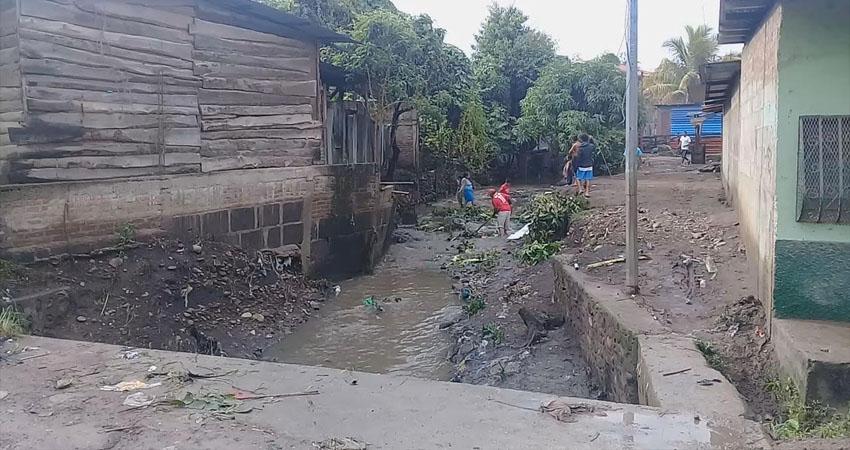 Piden construir muro en cauce de barrio esteliano Managua. Radio La Primerísima