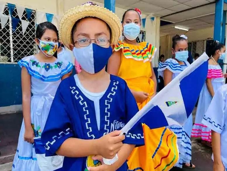 Estudiantes realizan desfiles en honor a Batalla de San Jacinto Managua. Radio La Primerísima