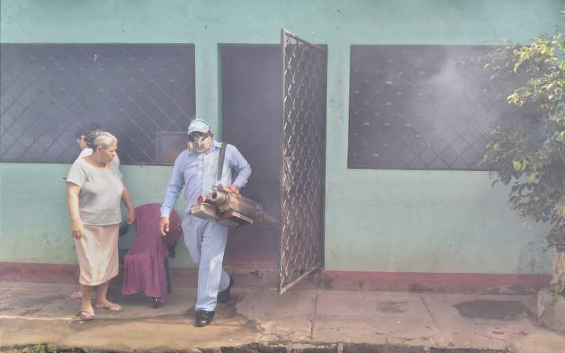 Constante lucha contra mosquito transmisor del dengue Managua. Radio La Primerísima