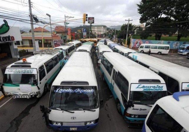 Buseros paralizan actividades en capital de Honduras Tegucigalpa. El Heraldo