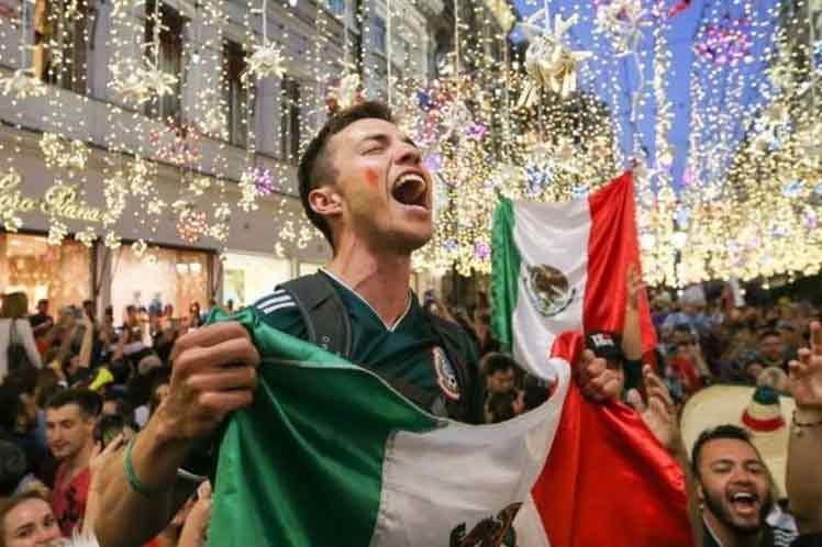 Mexicanos reviven con fervor el Grito de Dolores Ciudad de México. Prensa Latina