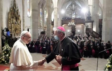 Papa realiza penúltima jornada de visita a Eslovaquia Bratislava. Prensa Latina