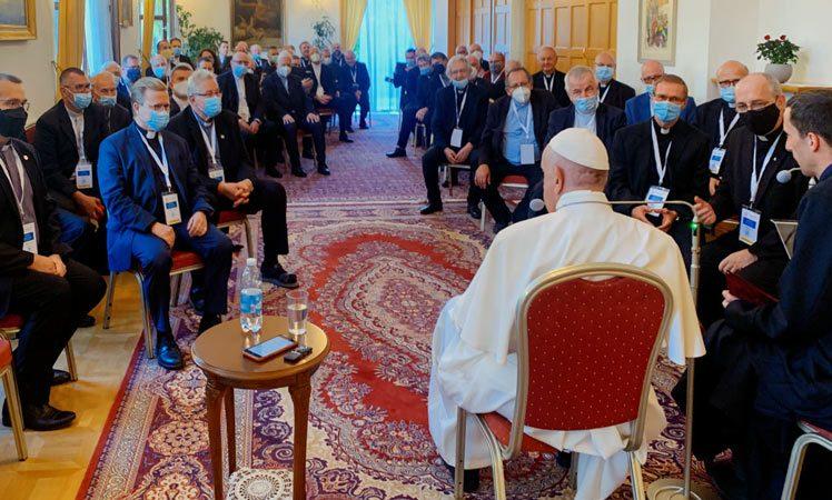 Papa ironiza sobre quienes lo quisieran muerto Ciudad del Vaticano. Prensa Latina