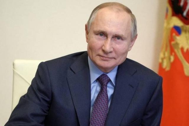 Putin empieza confinamiento por cercanía a enfermo de Covid-19 Moscú. Prensa Latina
