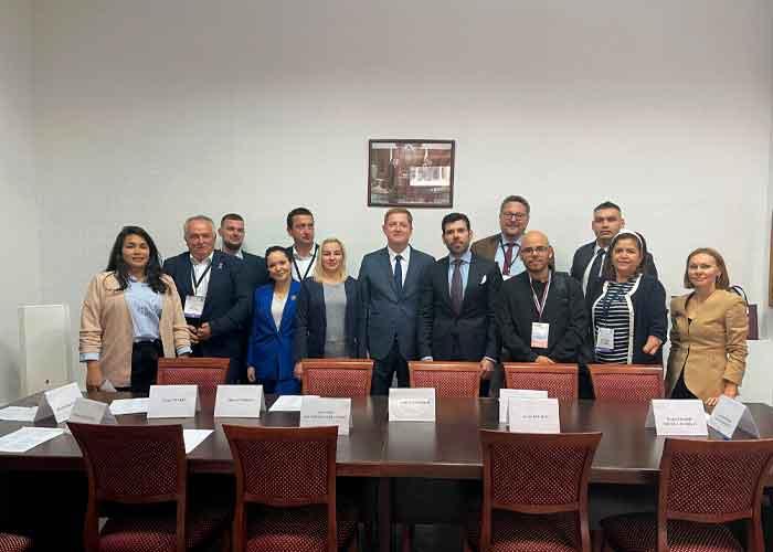 Proceso electoral democrático, ejemplar, seguro y ordenado en Rusia Managua. Radio La Primerísima