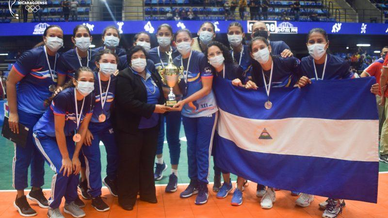 Nicaragua gana medalla de plata en Copa Centroamericana de Voleibol Managua. Radio La Primerísima