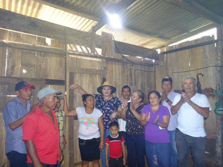 Inauguran proyecto de electricidad en barrio de Bonanza