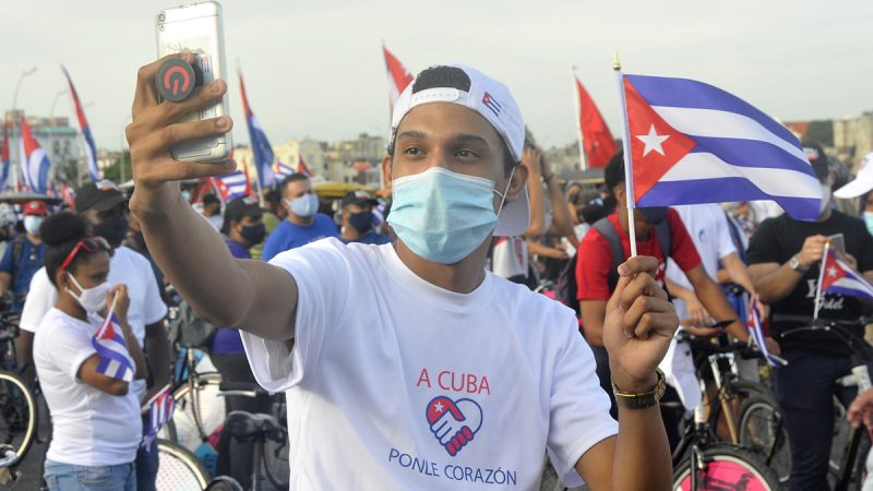 Cuba se levanta y mira a la luz Editorial | Cubadebate