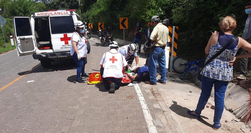 Ciclista fallece tras estrellarse contra un poste en Estelí Managua. Radio La Primerísima