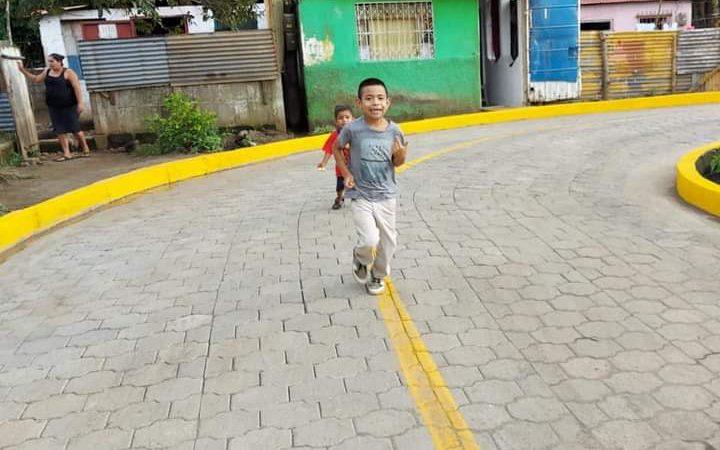Inauguran calle adoquinada en un barrio de San Marcos San Marcos. Manuel Aguilar/Radio La Primerísima