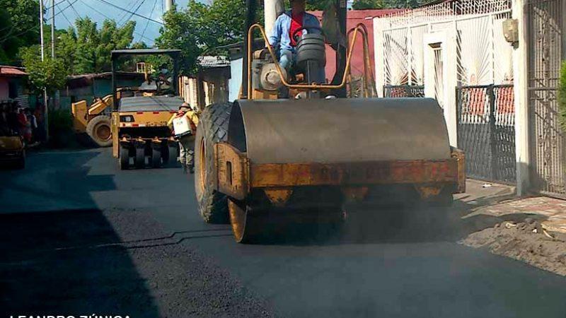 Pobladores de barrio capitalino estrenan calles Managua. Radio La Primerísima