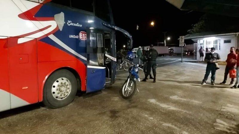 Muere a bordo de un bus nica que regresaba al país Managua. Radio La Primerísima