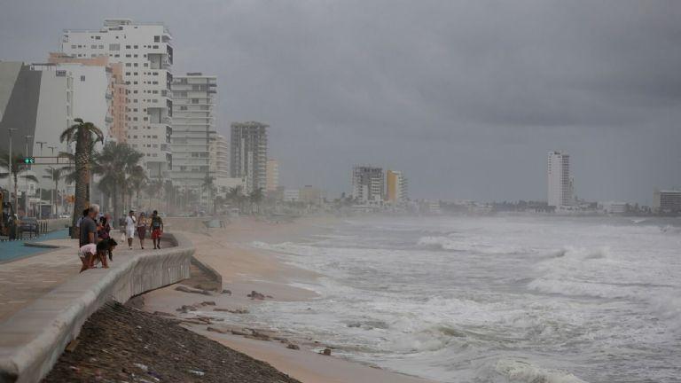 Huracán Rick se acerca a las costas de México Agencias.