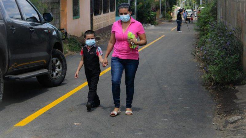 Inauguran calles pavimentadas en barrio Omar Torrijos Managua. Radio La Primerísima