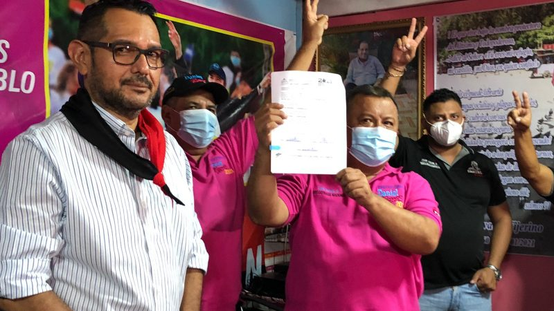 Entregan buses nuevos a otras tres cooperativas de Managua Managua. Libeth González/Radio La Primerísima