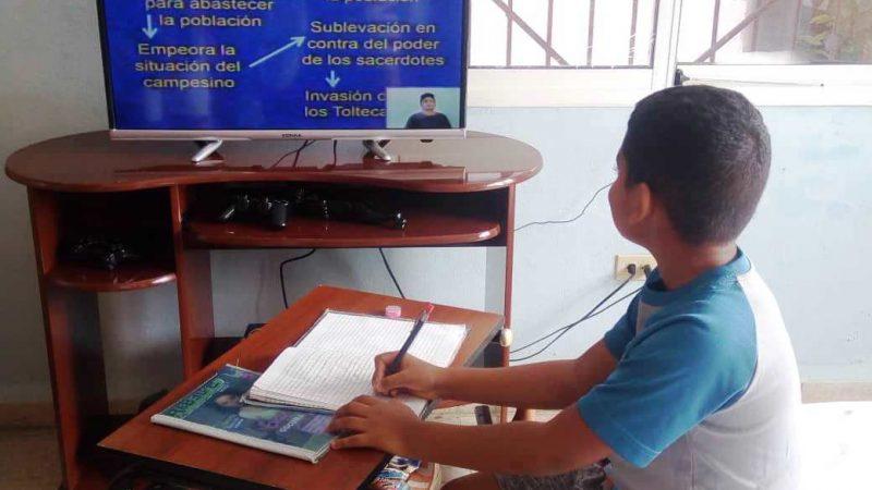 Elaboran material de estudio para las teleclases Managua. Radio La Primerísima