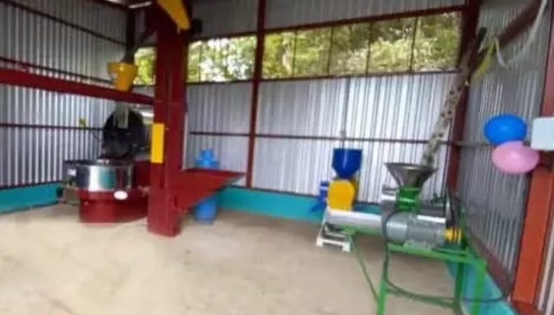 Cafetaleros de Yalí beneficiados con equipos y maquinarias Managua. Radio La Primerísima